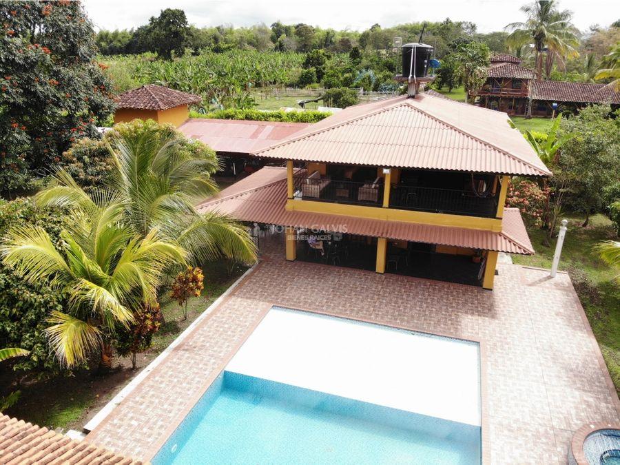 venta de finca con casa buena y piscina 95 c