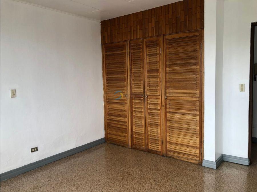 alquiler de apartamento ubicado a 200 mtrs del parque en vargas araya
