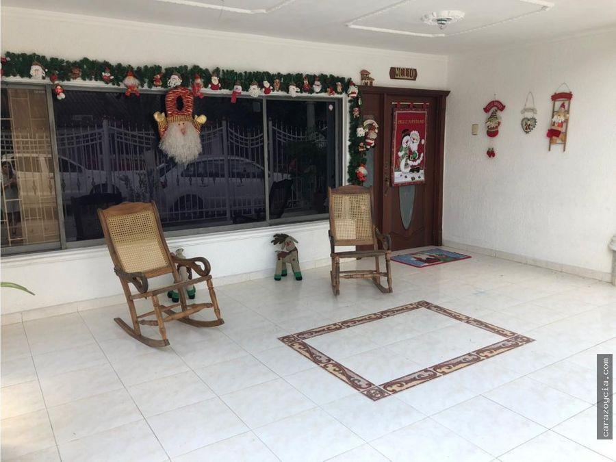 carazo vende excelente casa en la floresta 2 niveles