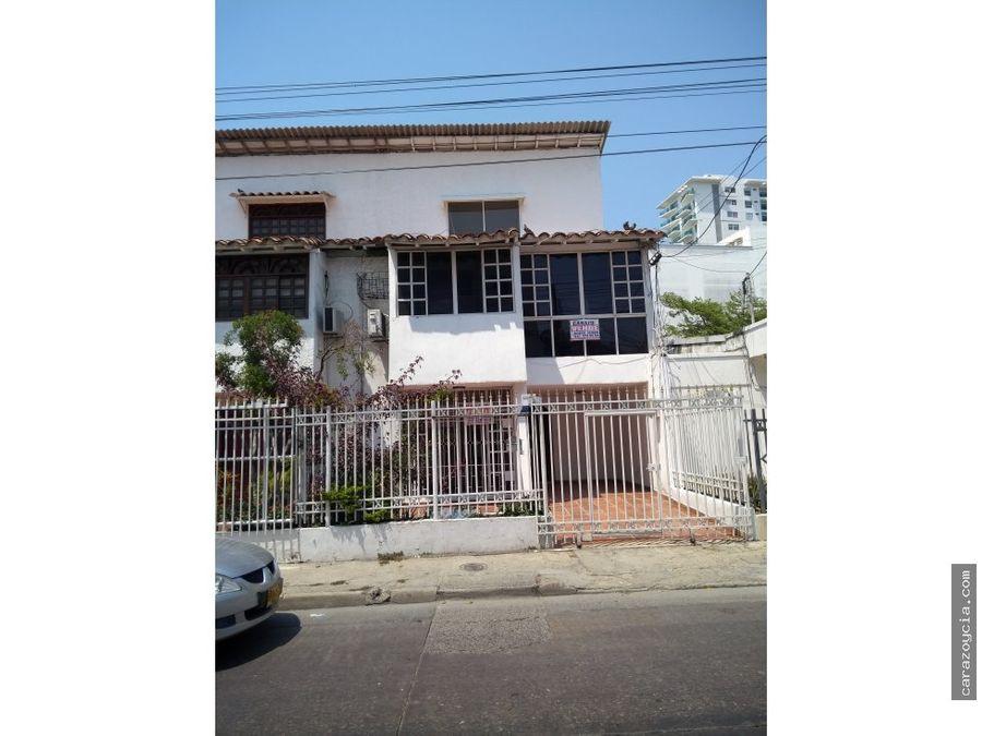 carazo vende casa en manga residencial