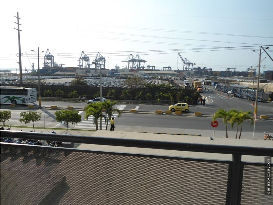 carazo arrienda oficina bloc port 45
