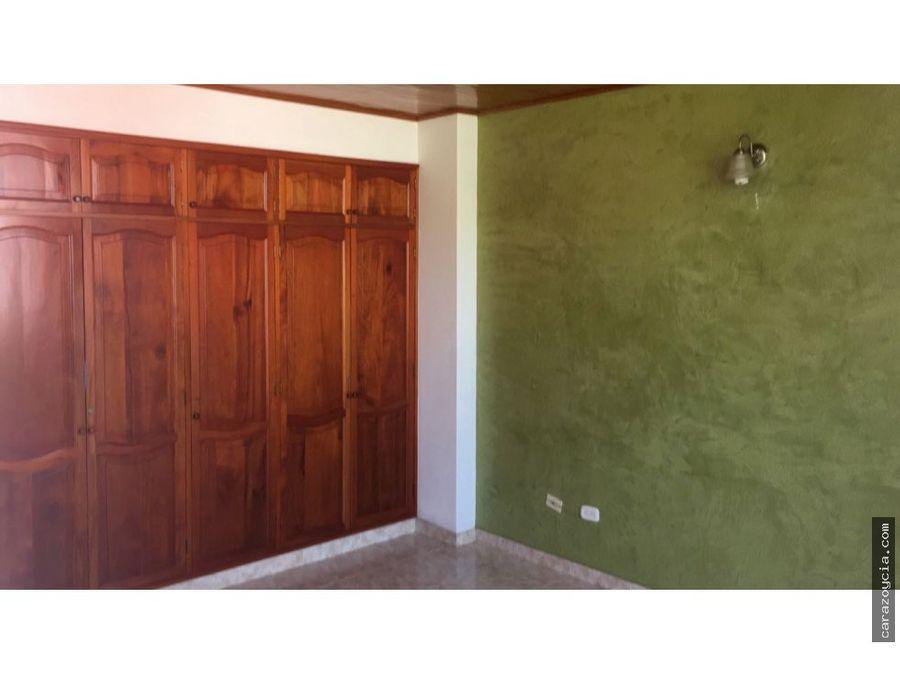 carazo vende casa pie de la popa