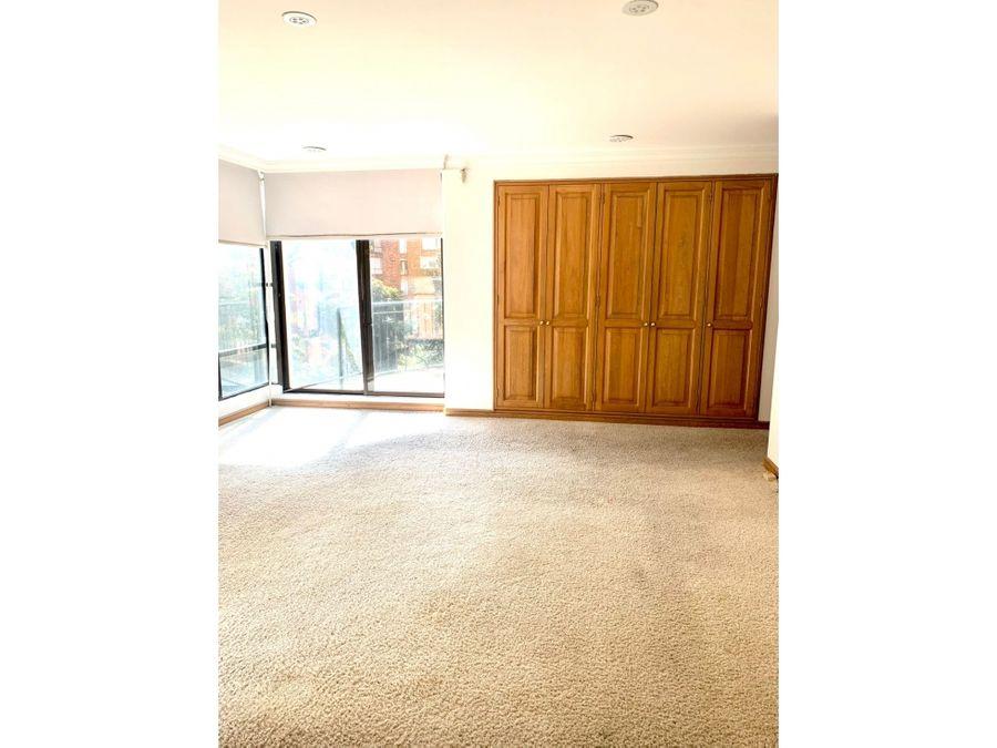 venta de hermoso apartamento en los rosales