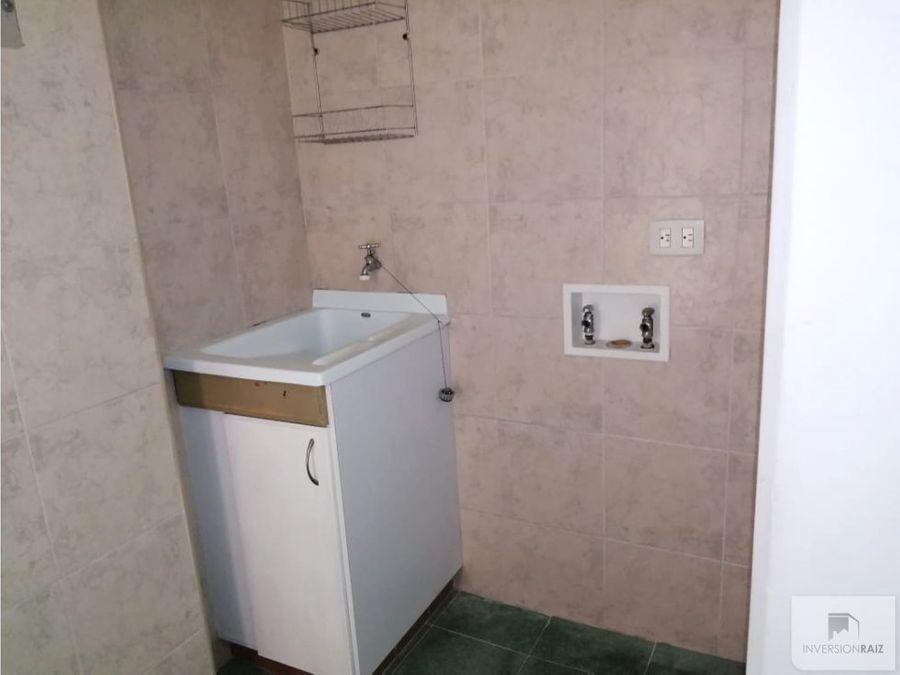 apartamento de 2 alcobas con garaje y util en laureles