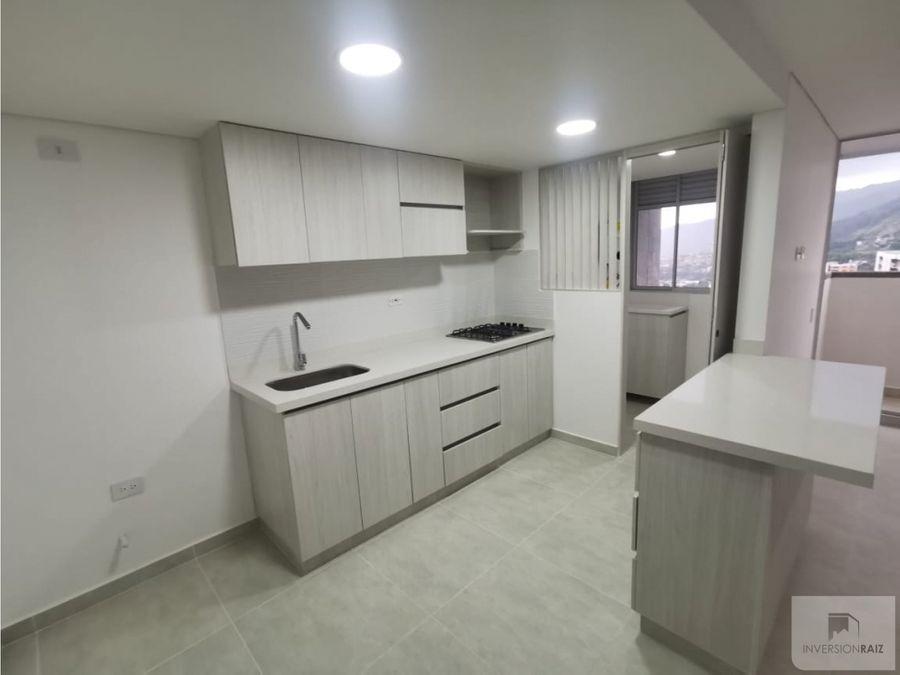 copacabana urb vivenza via machado piso alto 2 alcobas parqueadero