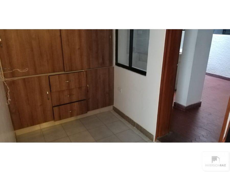 arriendo casa segundo piso con garaje en laureles