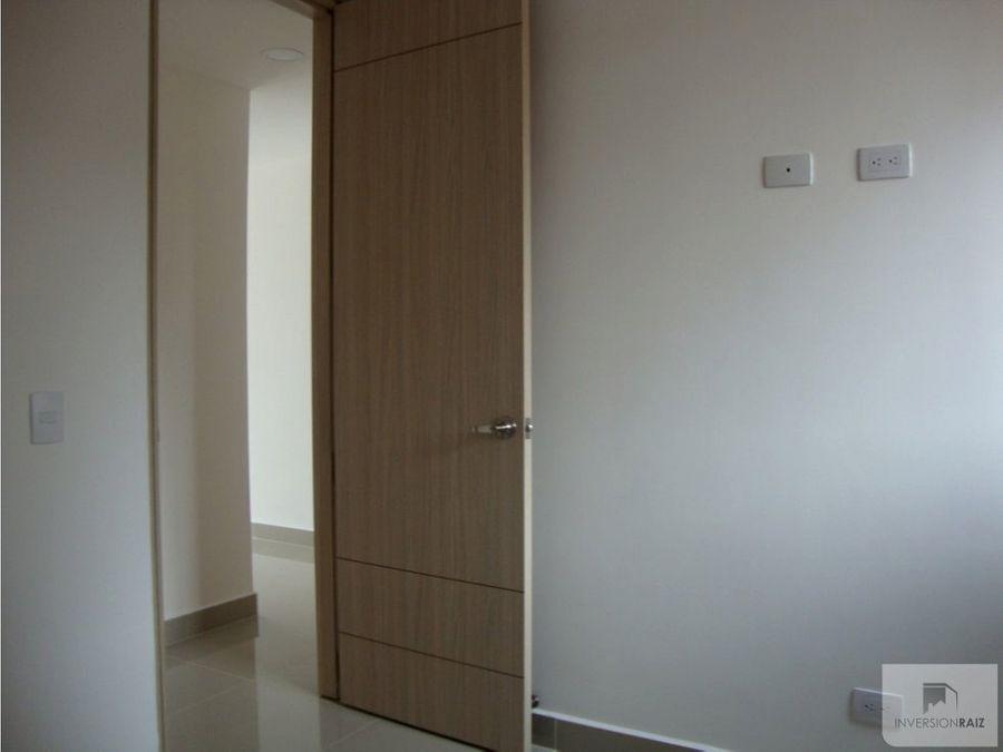 arriendo apartamento en laureles cerca av san juan