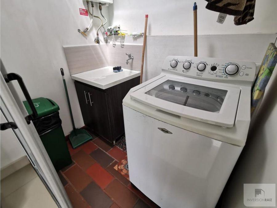se vende apartamento en calasanz parte baja unidad cerrada