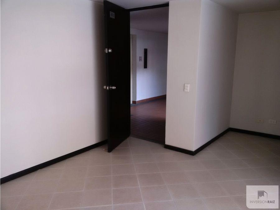 arriendo apartamento de 2 alcobas con garaje en calasanz
