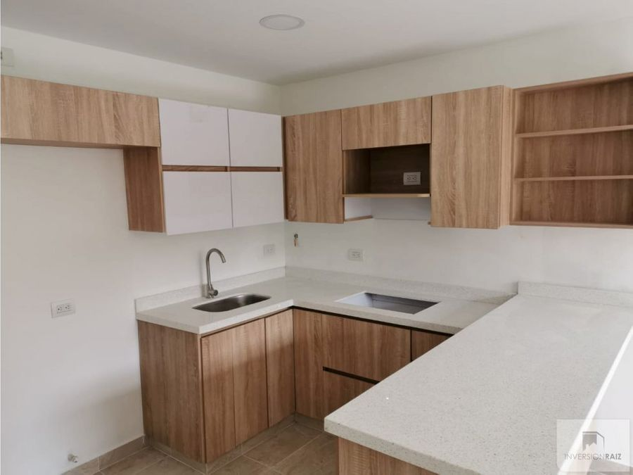apartamento duplex de 4 alcobas en la floresta