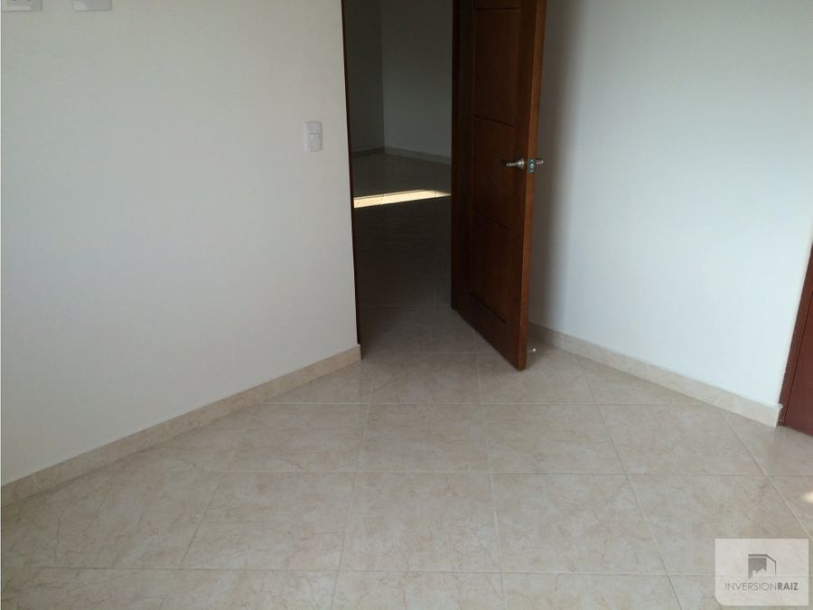se vende apartamento laureles cerca a la san juan