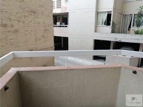arriendo boston apartaestudio con balcon