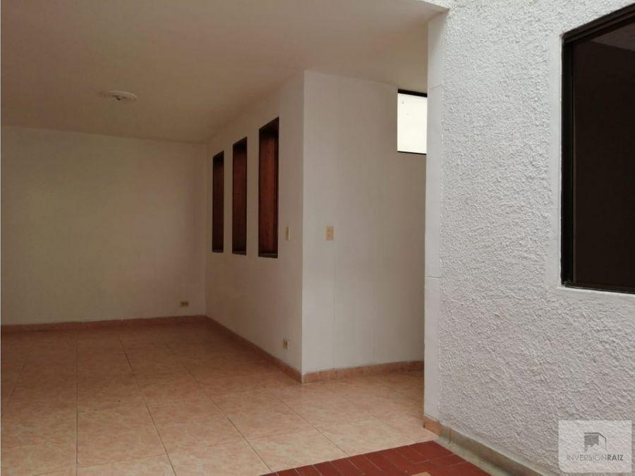 arriendo casa segundo piso en san joaquin