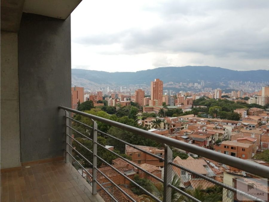 arriendo apartaestudio con balcon en calasanz