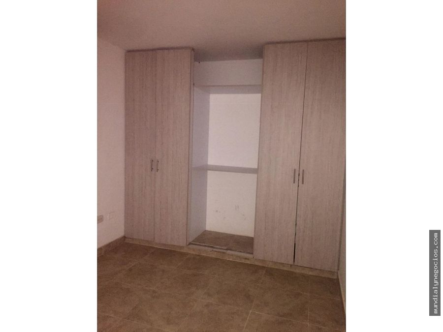 se arrienda apartamento grande y con excelente ubicacion 011