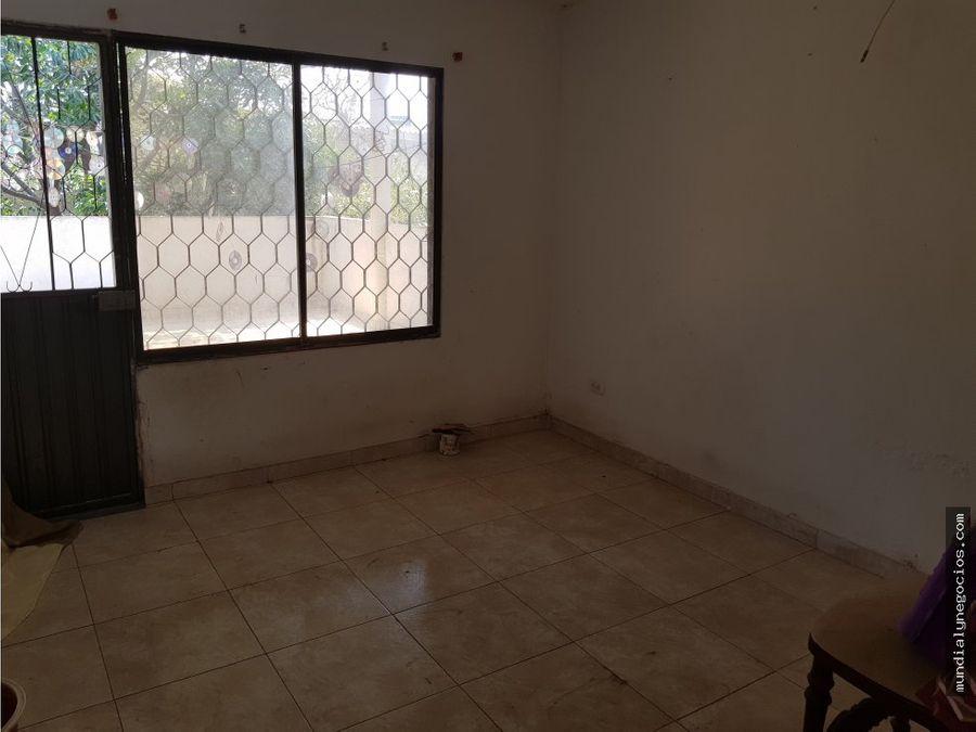 oportunidad casa de 2 pisos para negocio 005