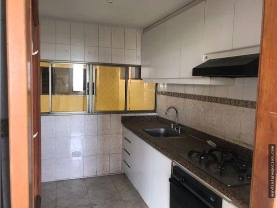 amplio apartamento en bavaria santa marta 005