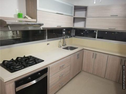 alquiler de amplio apartamento 008