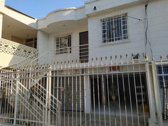 amplia casa con local de oportunidad 008