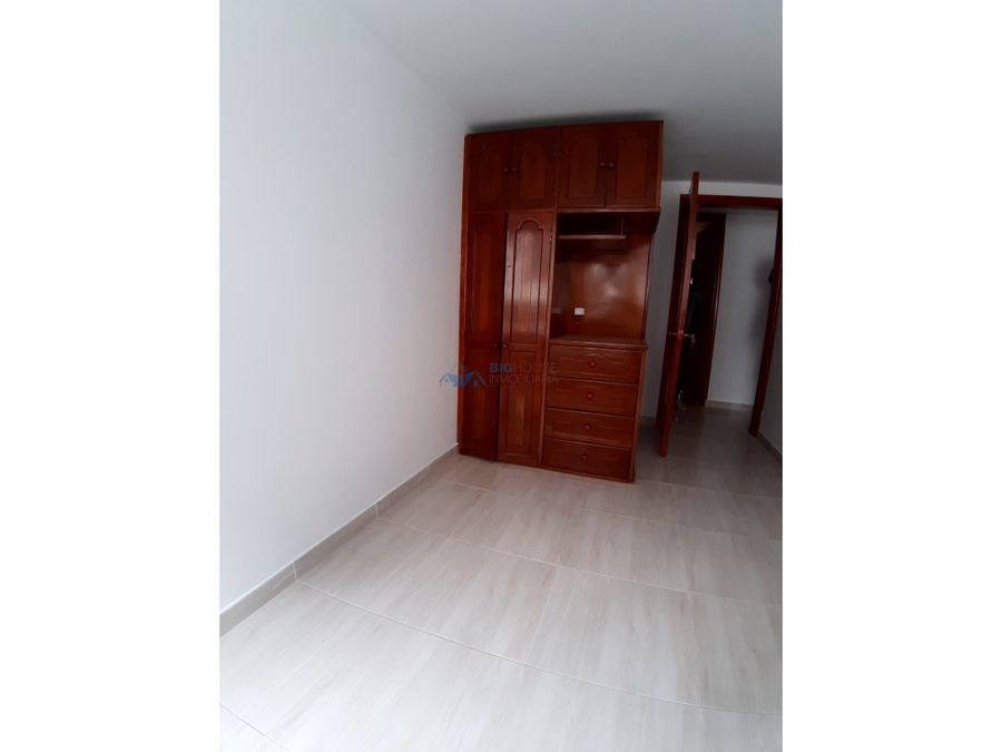 se arrienda apartamento segundo piso san pablo