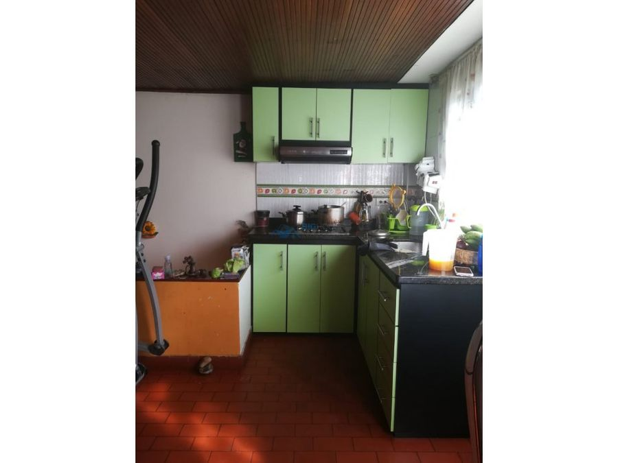 se vende casa con dos apartamentos s isabel