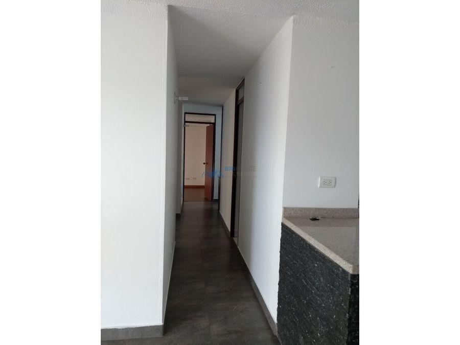 se vende apartamento la quinta 1 t5403