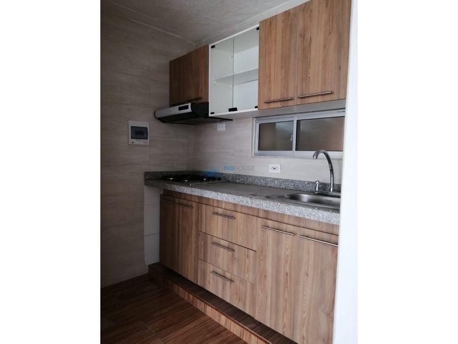 se arrienda apartamento versalles 2 t 7102
