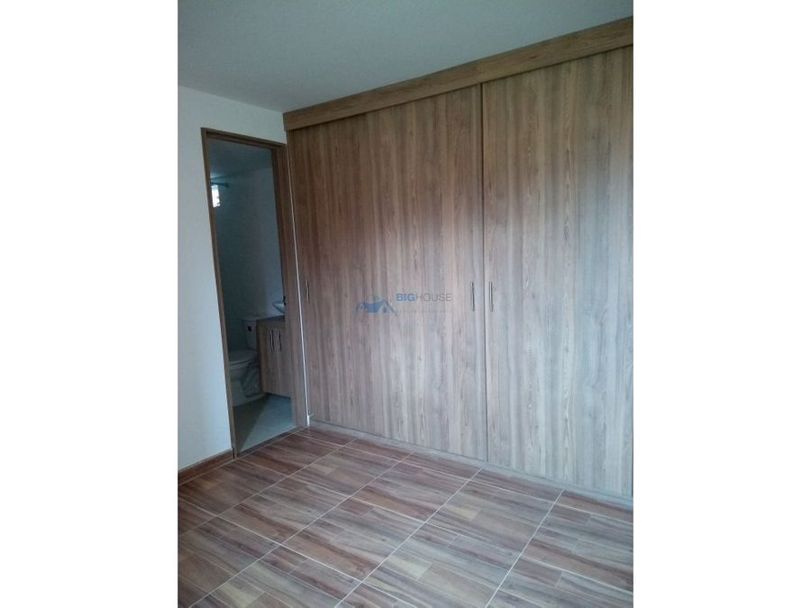 se vende apartamento los pinos t3402