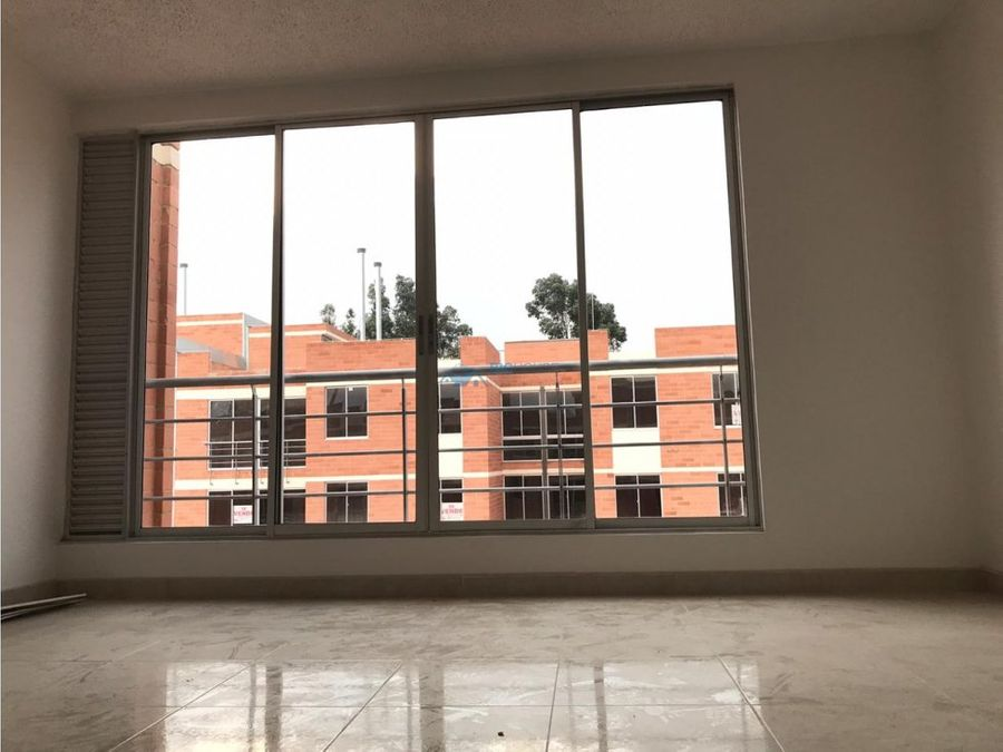 se vende o permuta apartamento versalles t2605