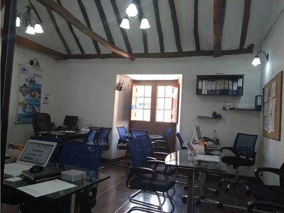 se vende oficina casa forero of 202