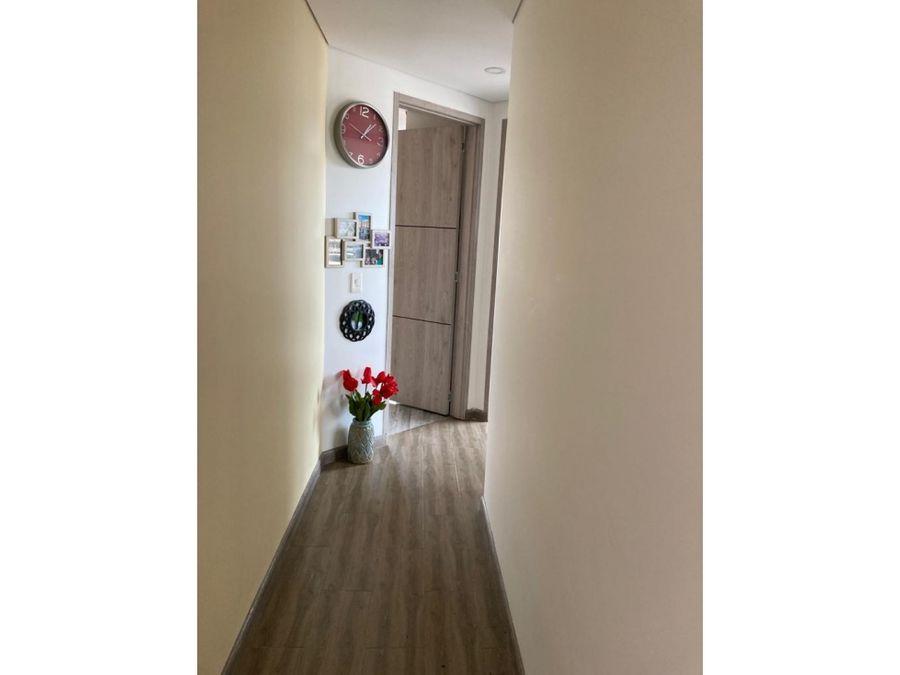 se vende apartamento santa rita 4
