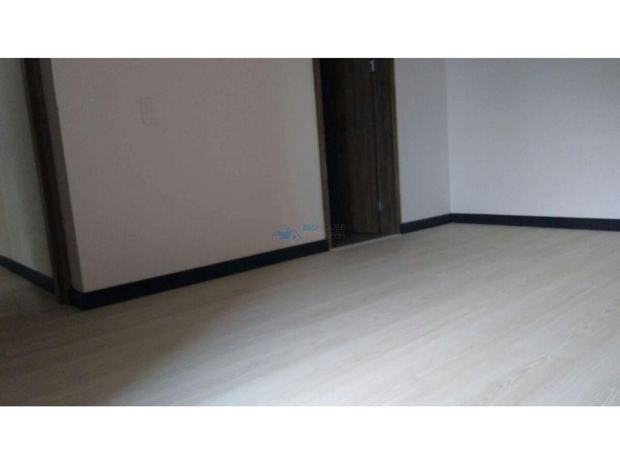 se vende apartamento versalles