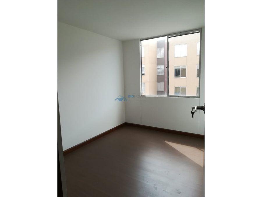 se vende apartamento los cedros t20404