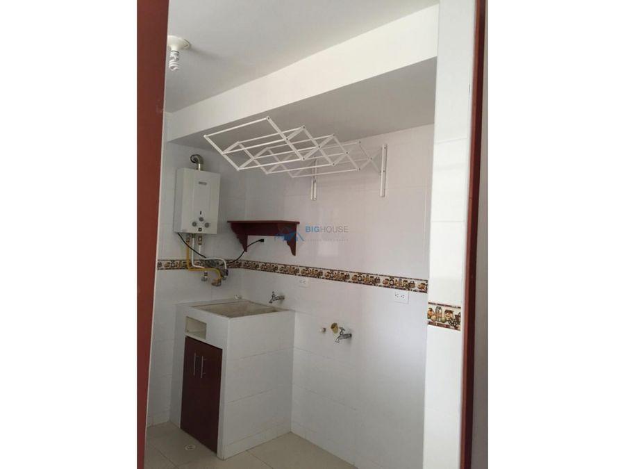 se vende apartamento en parques san rafael t11341