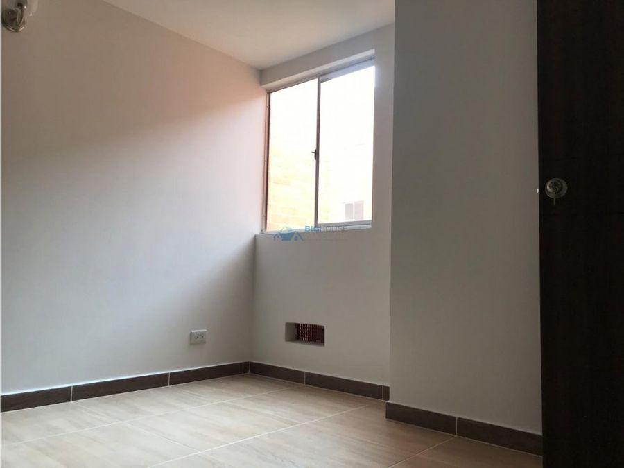 se vende apartamento los pinos t15304