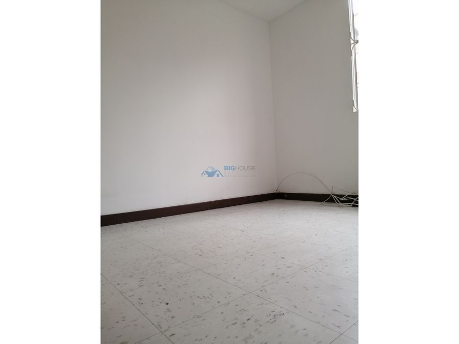 se arrienda apartamento parques de villa maria t4103