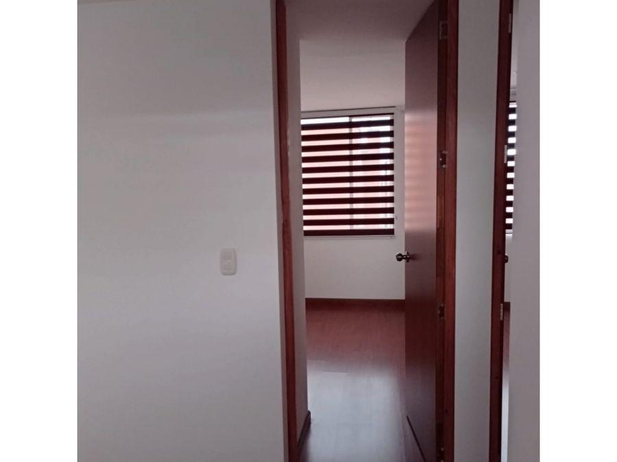 se vende apartamento santa ana t4 apto 501