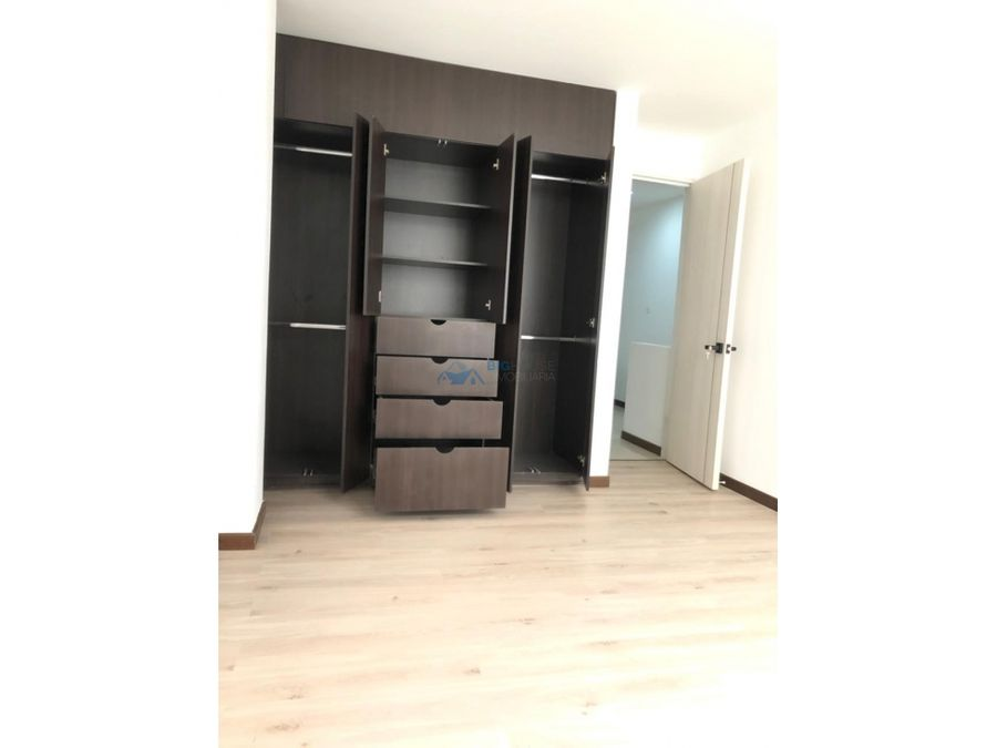 se vende apartamento en algarra 3