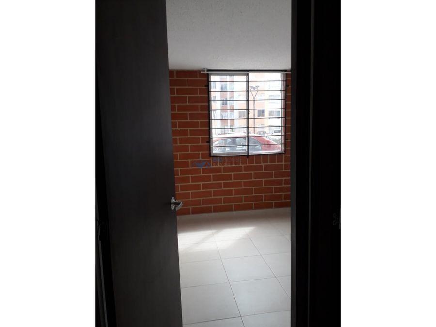 se arrienda apartamento caminos de san rafael t13149