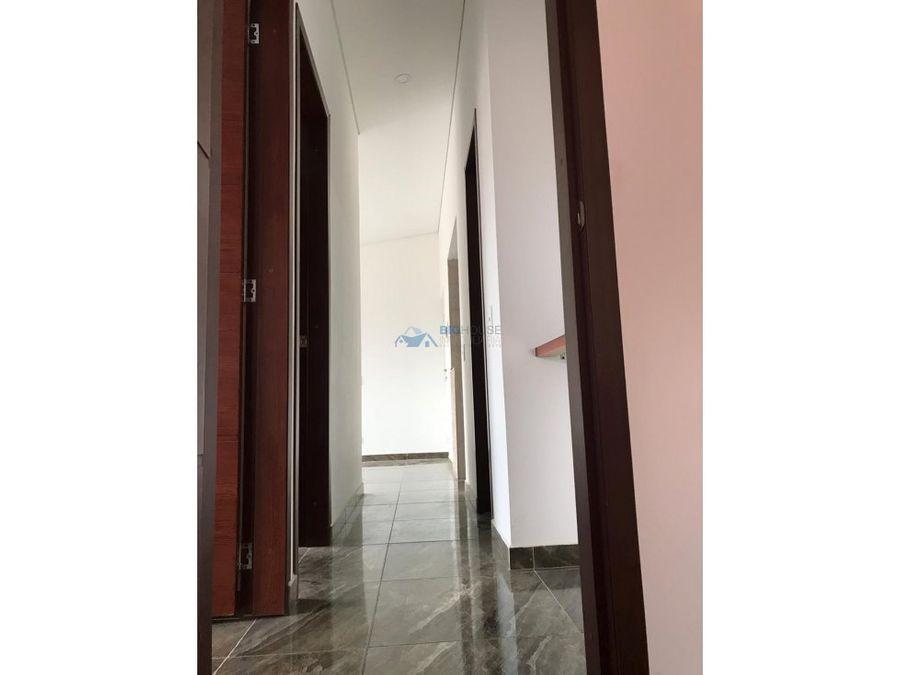 se vende apartamento los alamos t11544