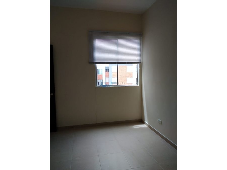 se vende apartamento caminos san rafael