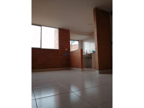 se vende apartamento conjunto montearroyo 401int e