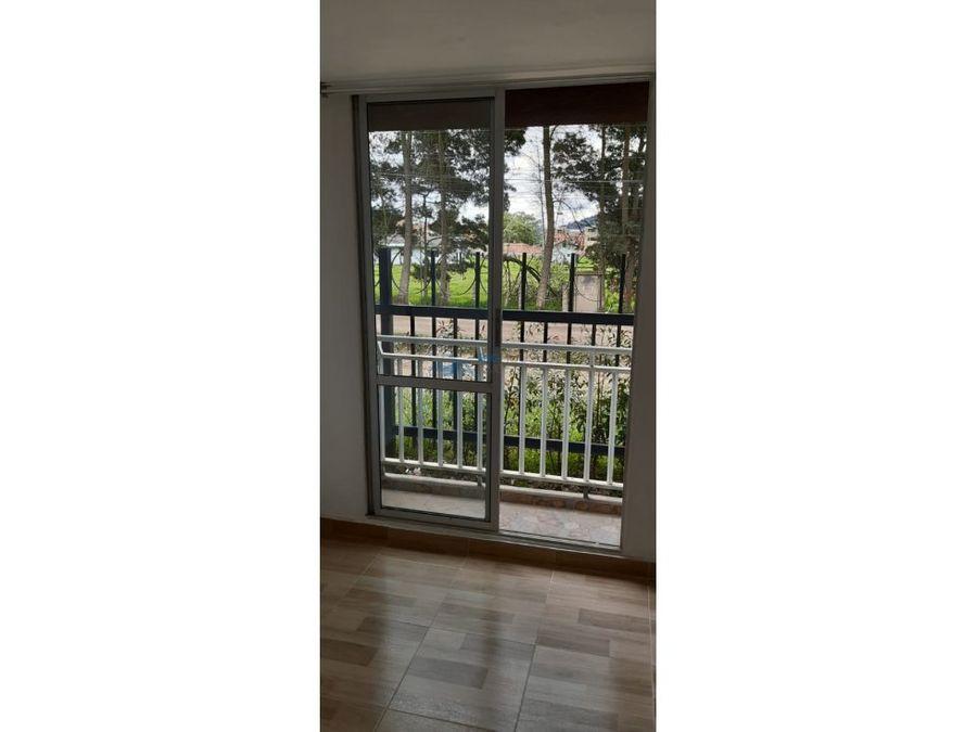 se arrienda apartamento conjunto residencial los cedros t52102
