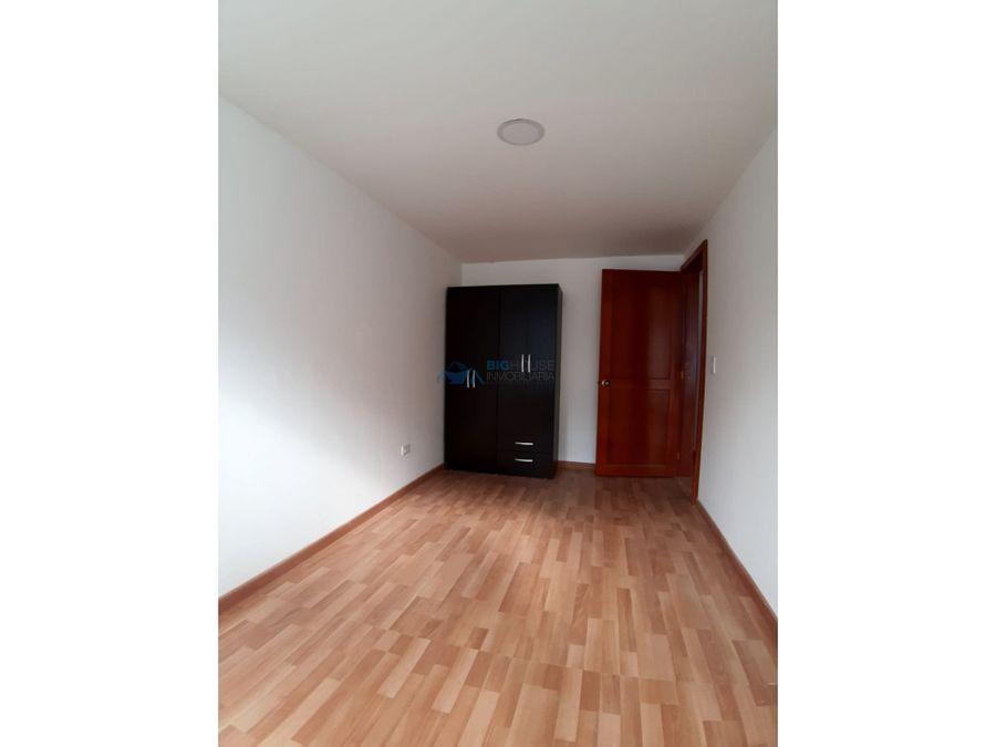 se arrienda apartamento tercer piso san pablo