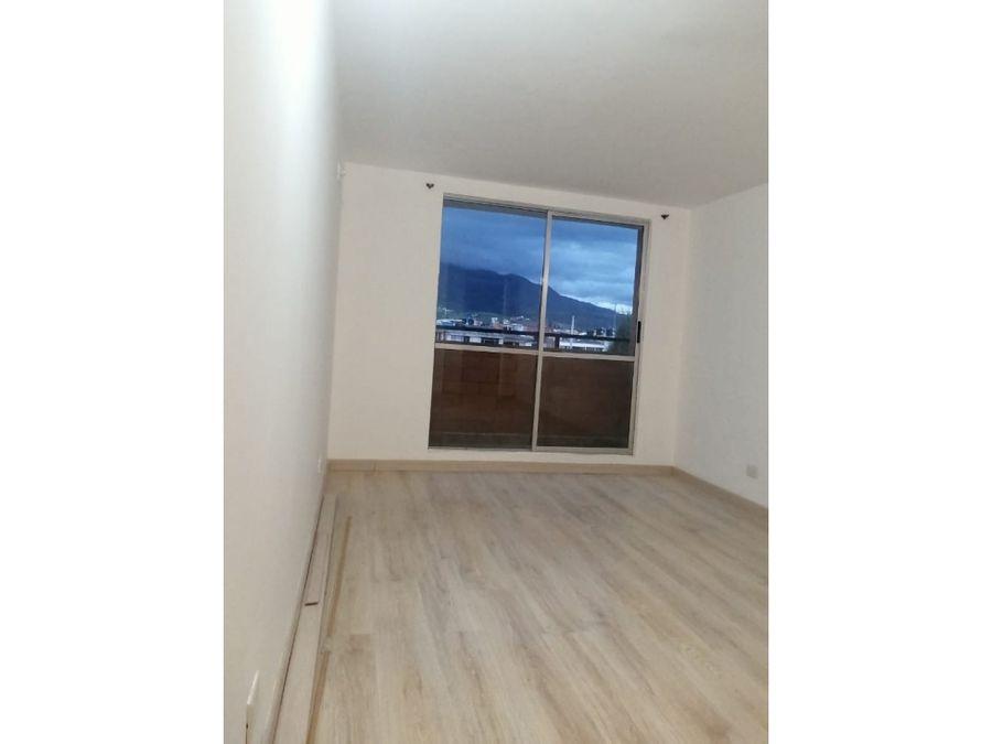 se vende apartamento en los pinos t6 402