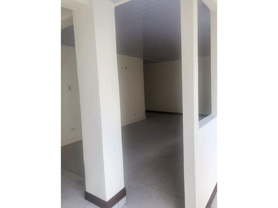 renta casa rohrmoser 1 planta 120000