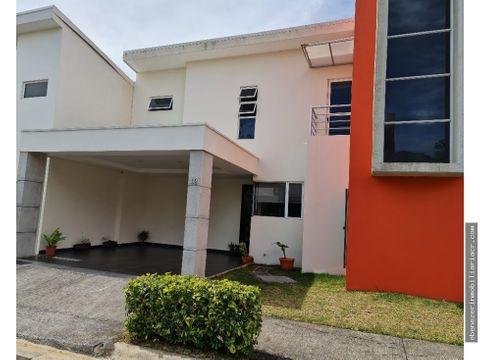 alquiler de casa en amueblada en condominio san rafael heredia