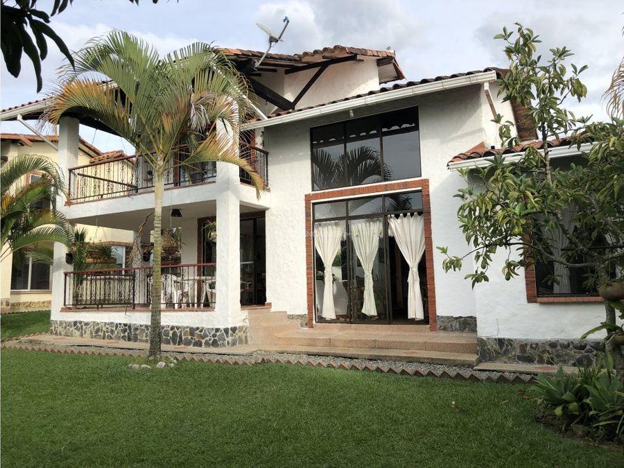 venta de dos casas en lote de 3000 m2 caimo