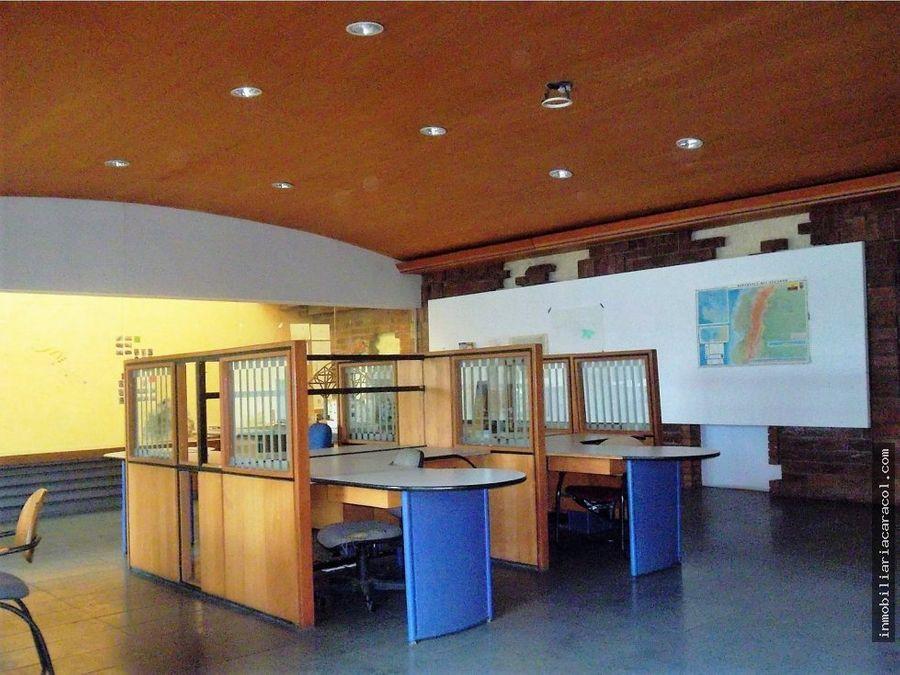 san eduardo amplio local con area de oficinas bodegas talleres