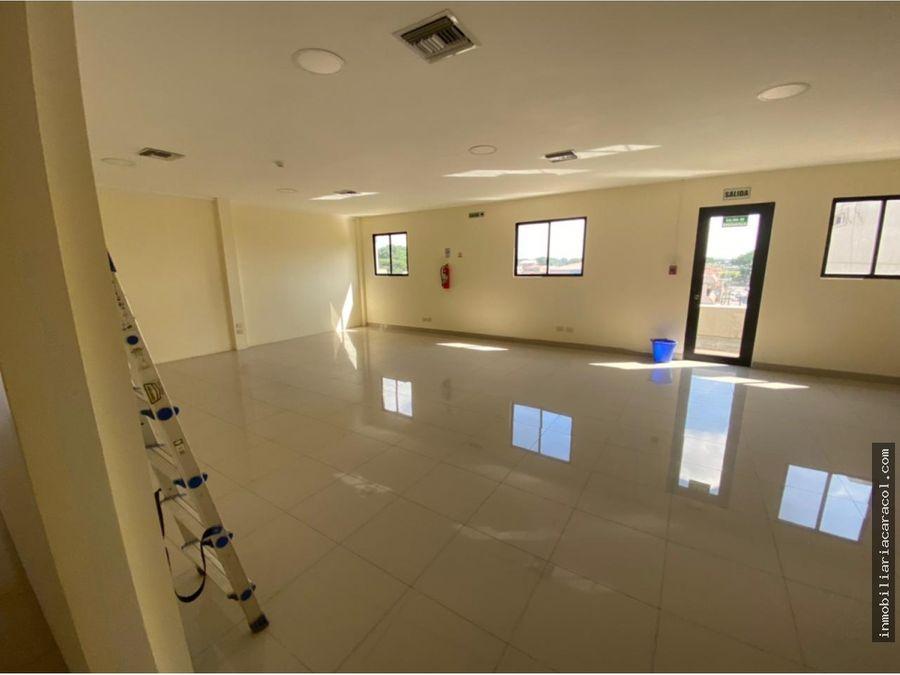 kennedy norte se alquila o vende elegantes oficinas de 1000 m2